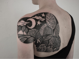 Today's favorite tattoo by Peter Aurisch #PeterAurisch #favoritetattoos #favorite #besttattoos #tattooideas #newtattoo #tattooinspiration #cooltattoos #tattoodoapp #blackandgrey #landscape #cubism #Moon #star #forest #shoulder
