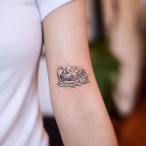 Today's favorite tattoo by Arles Tattoo #ArlesTattoo #favoritetattoos #favorite #besttattoos #tattooideas #newtattoo #tattooinspiration #cooltattoos #tattoodoapp #studioghibli #ducks #cute #anime #arm