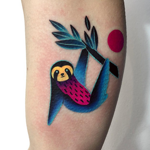 Today's favorite tattoo by Daria Stahp #DariaStahp #favoritetattoos #favorite #besttattoos #tattooideas #newtattoo #tattooinspiration #cooltattoos #tattoodoapp #color #modern #sloth #animal #nature #arm