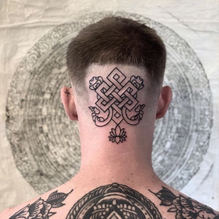 Eternal knot tattoo by Jeremiekergroach #Jeremiekergroach #buddhisttattoo #buddhatattoo #buddhism #buddha #enlightenment #meditation #easternreligion #eternalknot #lotus #linework