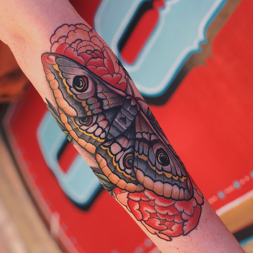 Tattoo by Jaylind Hamilton #JaylindHamilton #jaybaby #japanese #neotraditional #japanesetattoo #illustrative #qpocttt #moth #peony #nature #flower #floral #arm #wings