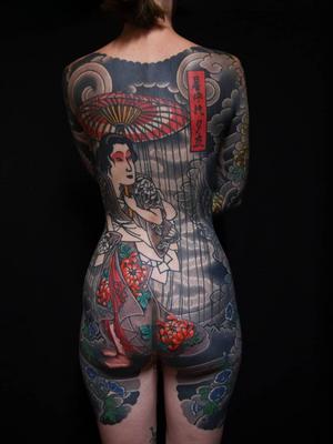 Japanese bodysuit by Ichi Hatano #IchiHatano #japanesetattoo #japanese #irezumi #color #geisha #chrysanthemum #rain #flower #floral #bodysuit #backpiece #back