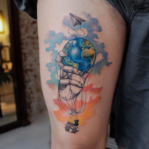 Watercolor Tattoo by Deborah Genchi #watercolortattoo #watercolor #fineart #painting #color #airballoon #globe #hand