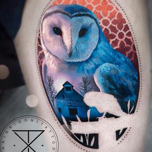 Owl tattoo by Chris Rigoni #ChrisRigoni #tattooartist #tattoodo #tattoodoapp #awesometattoo #besttattoo #realism #realistic #owl #barn #nature #landscape #silhouette #bird #animal #nature #color #leg