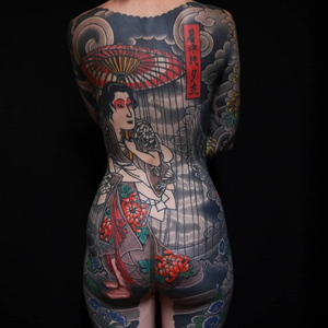 Tattoo by Ichi Hatano #IchiHatano #IchiTattooTokyo #Japanese #Irezumi #horimono #Tokyo #Japan #geisha #rain #clouds #chrysanthemum