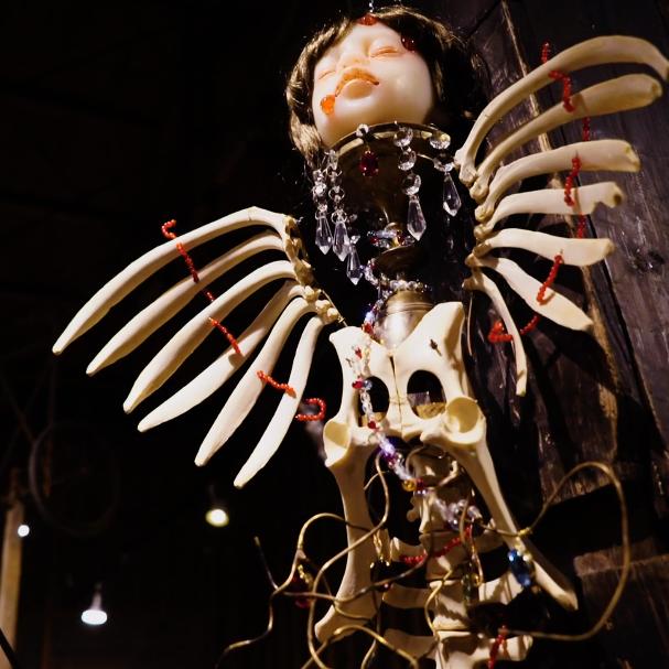 Sculpture by Midori Hayashi #MidoriHayashi #art #fineart #sculpture #bones #death #TheArtsofSubversion #film #Tokyo #Japan