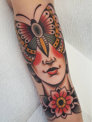 Butterfly lady tattoo by Nikko Barber aka nikkotattooer #NikkoBarber #Nikkotattooer #Berlintattoo #tattooBerlin #traditional #AmericanTraditional #color #oldschool #butterfly #ladyhead #flower #surreal