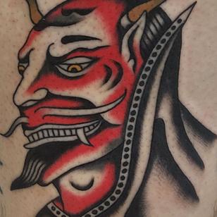Traditional tattoo by Enrico Grosso aka Henry Big #EnricoGrosso #HenryBig #traditional #americantraditional #trad #traditionaltattoo #color #devil #satan #demon #horns #hell #leg