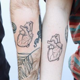 Best Friend Tattoos Guy and Girl by Zaya #Zaya #bestfriendtattoos #friendshiptattoos #friendtattoos #bfftattoo #matchingfriendtattoos #illustrative #linework #anatomicalheart #heart #dotwork