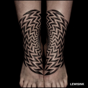 Kinetic tattoo by Lewisink aka blacksymmetry #lewisink #blacksymmetry #paris #france #paristattoo #paristattooartist