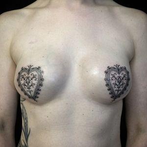 Mastectomy tattoos by Ryan Jessiman #RyanJessiman #mastectomytattoo #mastectomyscarcoveruptattoo #scarcoveruptattoo #nippletattoo #mastectomy