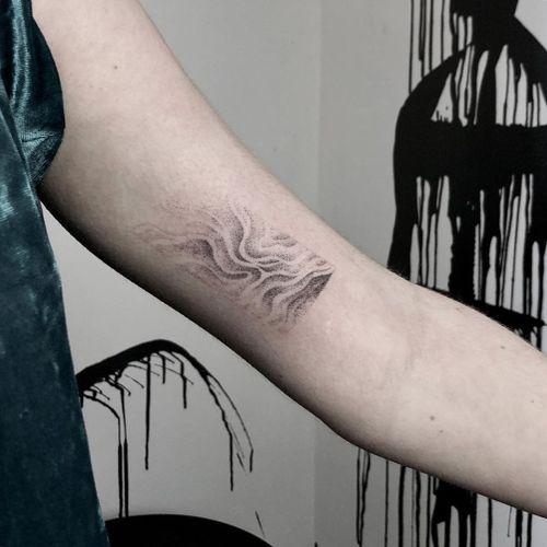 Hand poke tattoo by Sabrina Drescher aka stabdee #SabrinaDrescher #StabDee #handpoketattoo #illustrative #dotwork #handpoke #surrealism #surreal #water #ripples #texture