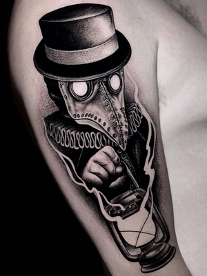 Plague Doctor tattoo by Iann Beneteli #IannBeneteli #Halloweentattoos #halloweentattoo #halloween #Samhain #AllHallowsEve #plaguedoctor #blackwork #darkart #lantern #evil