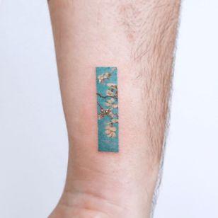 Van Gogh tattoo by Eunyu #Eunyu #VanGogh #finearttattoos #arthistory #cherryblossoms #oilpainting #painting #flowers #floral