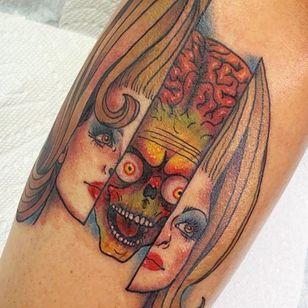 Mars Attacks tattoo by Monica Amneus #MonicaAmneus #Halloweentattoos #halloweentattoo #halloween #Samhain #AllHallowsEve #MarsAttacks #alien #movietattoo #portrait #color #illustrative