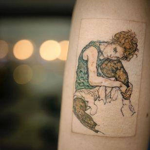 Egon Schiele tattoo by Tattooist EQ #TattooistEq #finearttattoos #arthistory #EgonSchiele #portrait #drawing #painting #illustrative #watercolor #lady #portrait #expressionism