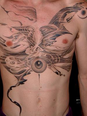Tattoo collaboration with Filipe Leu in 2000 on Ryan Martinie of Mudvayne #FilipeLeu #PaulBooth #LastRites #BoothGallery #biomechanical #darkart #surrealism #Mudvayne #chesttattoo