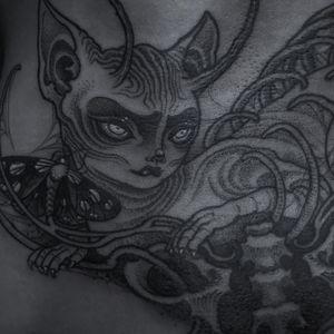 Illustrative dark art tattoo by Pinyeyu #Pinyeyu #China #chinatattooshop #chinatattoo #Beijing #Beijingtattoo #illustrative #darkart #portraittattoo #alien #surreal #strange #unique #blackandgrey #creature #spirit #cat