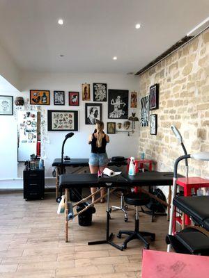 Les Maux Bleus - Tattooed Travels: Paris, France #paris #france #paristattoo #paristattooartist #paristattooshop #LesMauxBleus