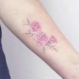 Rose tattoo by Eva Edelstein #EvaEdelstein #paris #france #paristattoo #paristattooartist #paristattooshop