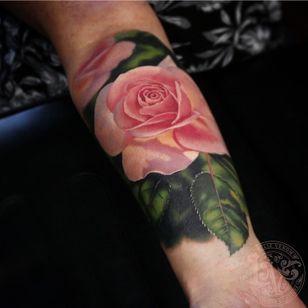 Rose tattoo by Liz Venom #LizVenom #rosetattoo #rosetattoos #rosetattooidea #rose #roses #flower #floral #petals #plant #nature #bloom