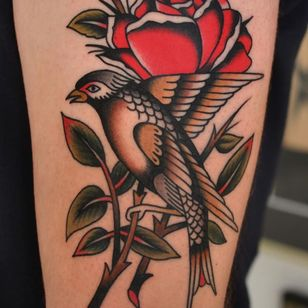 Rose tattoo by Florian Santus #FlorianSantus #rosetattoo #rosetattoos #rosetattooidea #rose #roses #flower #floral #petals #plant #nature #bloom
