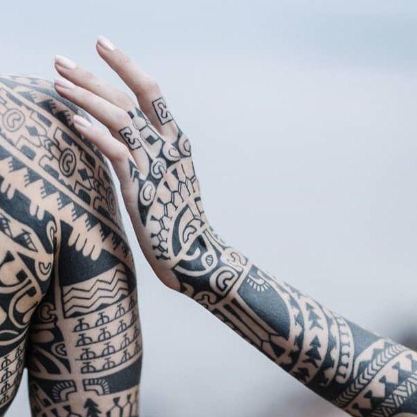 Polynesian tattoos by Dmitrii Babakhin #DmitriiBabakhin #polynesiantattoos #12thFlorenceTattooConvention #FlorenceTattooConvention #Florence