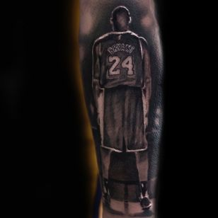 Kobe Bryant tattoo by Scoot Scoot Mason #ScootScootMason #kobebryanttattoo #kobebryant #Lakers #24 #basketball #sports #memorialtattoo