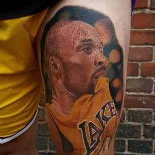 Kobe Bryant tattoo by Lukasz Wrzalik #LukaszWrzalik #kobebryanttattoo #kobebryant #Lakers #24 #basketball #sports #memorialtattoo