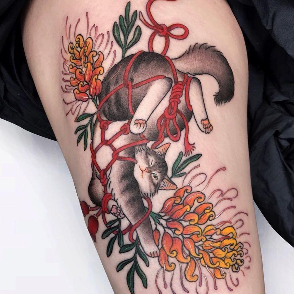 Shibari tattoo by Keira Tattoo #KeiraTattoo #shibari #shibaritattoo #ropebondage #cat #kitty #flower #floral #japanesetattoos #japanese #irezumi #japanesemythology #mythology