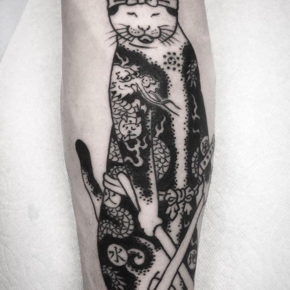 Monmon cat tattoo by Horitomo #Horitomo #monmoncat #monmoncattattoo #cat #tattooedtattoo #samuraicat #dragon #japanesetattoos #japanese #irezumi #japanesemythology #mythology
