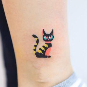 Hand poke tattoo by Zzizzi aka zzizziboy #zzizzi #zzizziboy #handpoke #handpoketattoo #stickandpoke #stickandpoketattoo