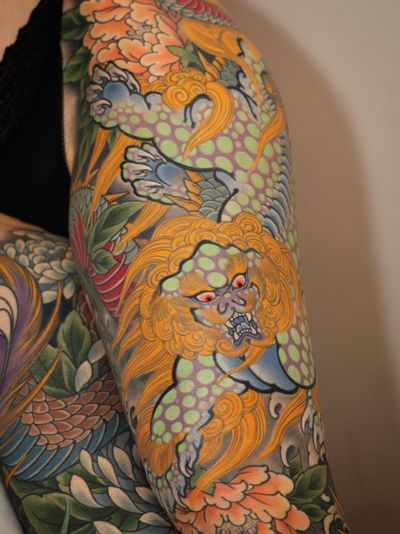 Foo dog tattoo by Johan Svahn #JohanSvahn #FooDog #foodogtattoo #karajishi #japanesetattoos #japanese #irezumi #japanesemythology #mythology
