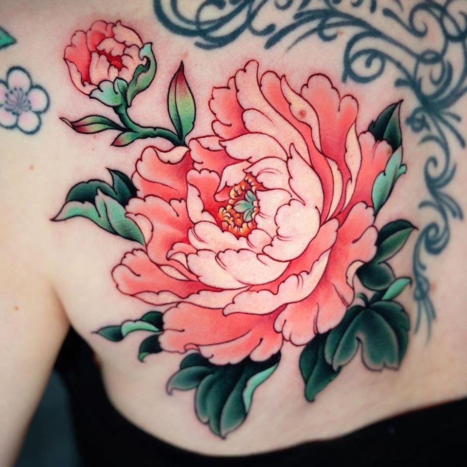 Peony tattoo by Jin Qchoi #JinQchoi #peony #peonytattoo #botantattoo #botan #flower #floral #japanesetattoos #japanese #irezumi #japanesemythology #mythology