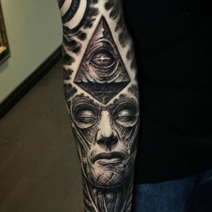 All seeing eye tattoo by Jeremiah Barba #JeremiahBara #allseeingeye #allseeingeyetattoo #eye #eyetattoo #eyeball