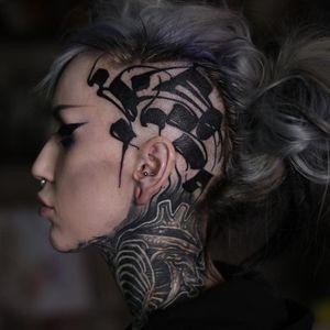 Scalp tattoo by Gordo Letters #GordoLetters #scalptattoo #sideheadtattoo #headtattoo #blackwork #lettering
