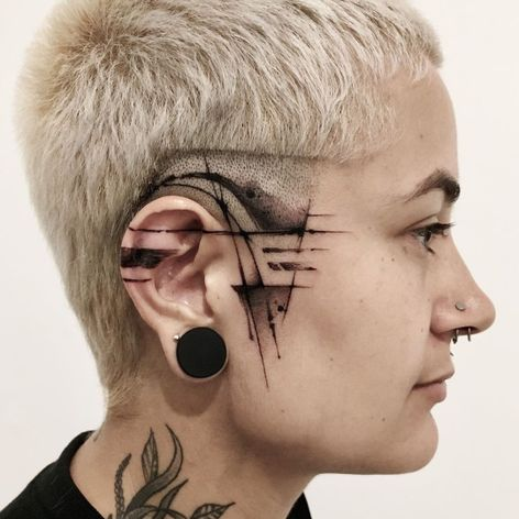 Side face tattoo by Fernanda Rodrigues #FernandaRodrigues #sidefacetattoo #facetattoo #abstract #blackwork