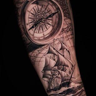 Ship and compass tattoo by Kiljun #Kiljun #SeoulInkTattoo #Seoul #Korea #Seoultattoo #Seoultattooartist #Seoultattooshop #compass #ship #map #ocean #travel #realism #hyperrealism #blackandgrey