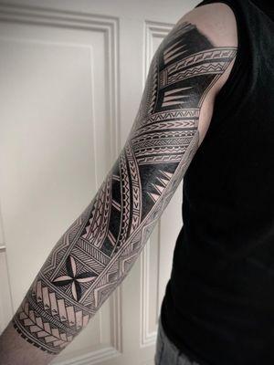Polynesian sleeve by Daniel Frye #DanielFrye #polynesiantattoo #polynesiansleeve #sleevetattoo #tribal