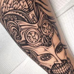 Surreal biomechanical tattoo by Bobby aka Monkey Bob #Bobby #MonkeyBob #SeoulInkTattoo #Seoul #Korea #Seoultattoo #Seoultattooartist #Seoultattooshop #illustrative #biomechanical #surreal #brain #robot