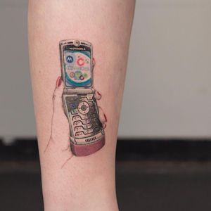 Tattoo by Anya Tsyna #AnyaTsyna #illustrative #realism #color #surreal #strange #unique #gems #diamond #ornamental #jewelry #fineart #cellphone #90s