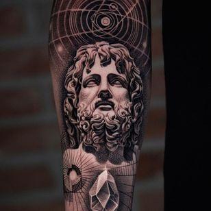 Sacred geometry and portrait tattoo by Kiljun #Kiljun #SeoulInkTattoo #Seoul #Korea #Seoultattoo #Seoultattooartist #Seoultattooshop #greek #sculpture #sacredgeometry #realism #linework