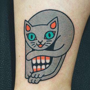 Cat tattoo from woo loves you #woolovesyou #cattattoos #cattattoo #kittytattoo #kitty #cat #petportrait #animal #nature