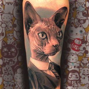 Sphynx cat tattoo by Raul Cruz One Love #Raulruz #RaulCruzOneLove #cattattoos #cattattoo #kittytattoo #kitty #cat #petportrait #animal #nature #sphynx