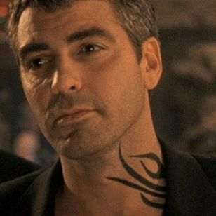 Seth Gecko's neck tattoo in From Dusk till Dawn #necktattoo #iconicfilmtattoos #tribaltattoo