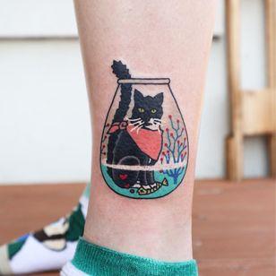 Cat tattoo by Kimsany #Kimsany #illustrative #cattattoos #cattattoo #kittytattoo #kitty #cat #petportrait #animal #nature #fishbowl #goldfish
