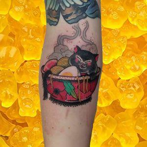 Ramen cat tattoo by Lara aka 90sdolphintattoo #Lara #90sdolphintattoo #LaraThomsonEdwards #Japanese #Japaneseinspired #ramen #food #flower #cat #kitty #noodles