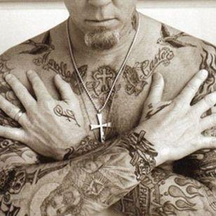 James Hetfield's classic rock star tattoos #JamesHetfield #heavymetaltattoos #rockstartattoos #Metallica #Christiantattoos