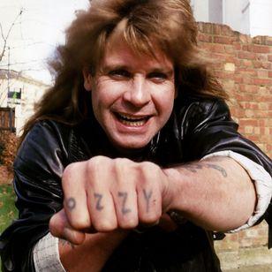 Ozzy Osbourne's legendary knuckle tattoos #bestrockstartattoos #heavymetaltattoos #OzzyOsbourne #musictattoos #iconictattoos