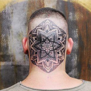 Genesa Crystal tattoo inside of a scalp mandala by Comanche Floyd #ComancheFloyd #genesacrystal #mandala #sacredgeometry #dotwork #linework #headtattoo